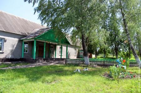 Цветник у Гремячевского дома культуры