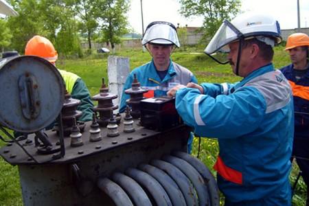 Энергетики Глазуновского района стали лидерами соревнования профессионального мастерства