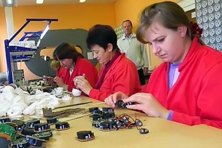 В производственном цеху ЗАО «Электрон».
