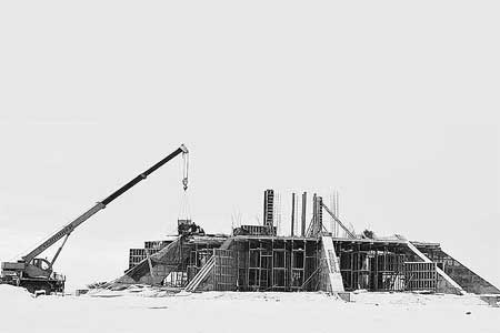 Монумент у Ольховатско-Тепловской высоты (стадия возведения).