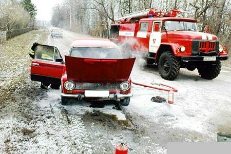 В Глазуновском районе прямо на ходу вспыхнули красные «Жигули».