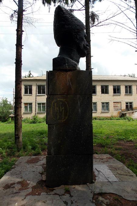 Памятник Василию Ивановичу Чапаеву в Тагино.