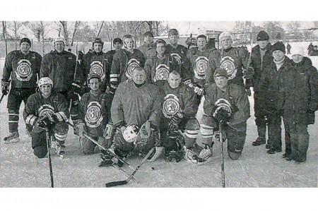 Хоккейная команда п. Глазуновка.