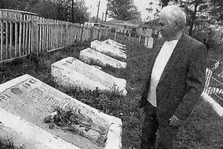 Алексей Иванович Михайлов в Сеньково.