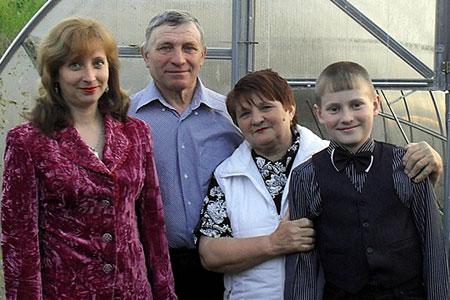В Отраде проживает замечательная семья Тишкиных.